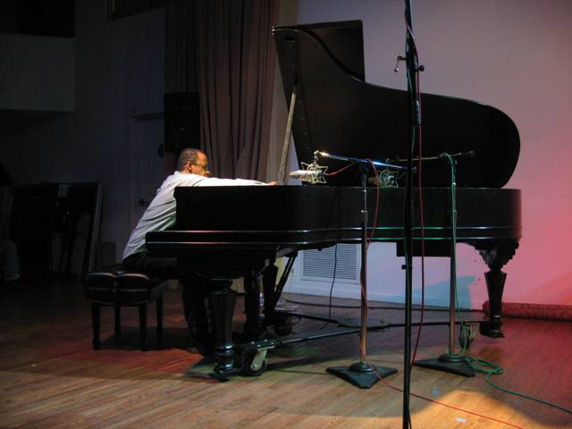 Matthew Shipp, January 28, 2010 at Roulette, New York City  copyright 2010 Lyn Horton