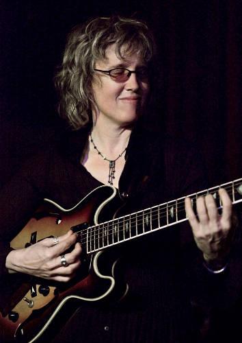 Jazzhouse Diaries » W  Royal Stokes Interviews Guitarist